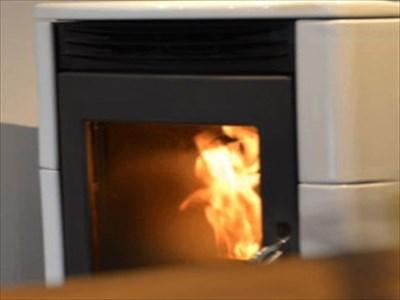 暖炉の魅力~ペレットストーブで手軽にぬくもりを感じよう~